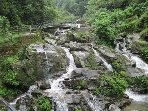 waterfalls-near-darjeeling